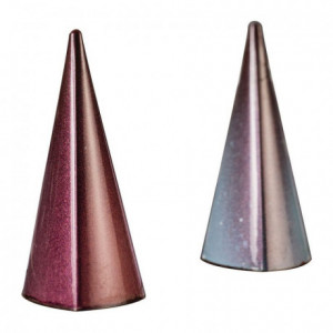 Chocolate mold for 28 triangular polycarbonate pyramids