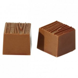 32 wooden square in polycarbonate moulds